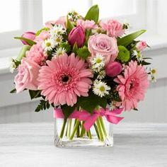 Ramo de flores al gusto rosa!  www.dksahome.com                                                                                                                                                      Más