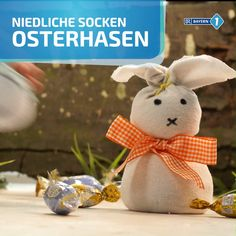 Tinker socks Easter bunny - Basteln mit Kindern im Herbst - A sock Easter bunny can be made quickly and easily with the little ones. The good thing: Finally yo - Happy Easter, Easter Bunny, Easter Eggs, Bunny Bunny, Diy And Crafts, Crafts For Kids, Sock Crafts, Coding For Kids, Easter Printables