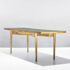 Ugo Sissa; Acero (Maple) and Glass Coffee Table from Casa Campagnolo by Olivetti, c1941.