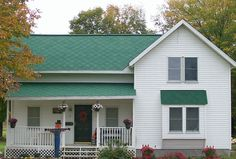 Gaf Elk Hunter Green Shingles This Roof Has Some Color