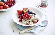 Overnight oats met bramen, rode bes en aardbeien