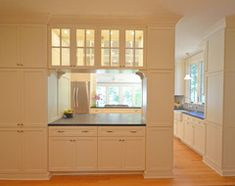 Get the best of both worlds with a kitchen that can hide or be in plain sight, thanks to doors, curtains and savvy design