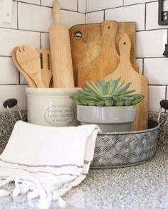 Kitchen Corner Countertop Decor Ideas Ideas For 2019 - Kitchen Decor Farmhouse Kitchen Decor, Kitchen Redo, New Kitchen, Kitchen Cabinets, Kitchen Backsplash, Kitchen Staging, Kitchen White, Backsplash Ideas, Kitchen Utensils