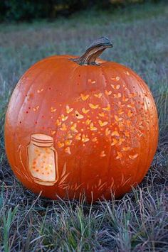 Today, there are various ideas about how to creatively design a pumpkin. What a good idea for pumpkin carving. There are many halloween pumpkin ideas that you could come across online and I'm here in order to provide you a little few examples. Easy Pumpkin Carving, Awesome Pumpkin Carvings, Pumpkin Carving Patterns, Cool Pumkin Carving Ideas, Pumpking Carving, Disney Pumpkin Carving, Recetas Halloween, Adornos Halloween, Halloween Pumpkins