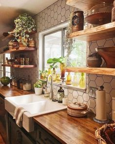 House decorate 69 Trendy farmhouse kitchen backsplash butcher blocks open shelves Is Your Child Read Farmhouse Style Kitchen, Modern Farmhouse Kitchens, Home Kitchens, Farmhouse Decor, Farmhouse Ideas, Country Kitchen, Small Kitchens, Kitchen Modern, Farmhouse Sinks