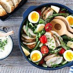 INDISK KYLLINGSUPPE MED EPLE, INGEFÆR OG CHILI | TRINES MATBLOGG Cobb Salad, Ramen, Ethnic Recipes