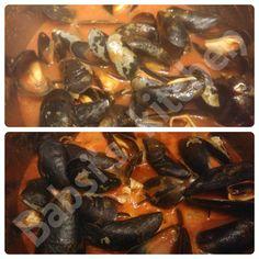MIESMUSCHELN IN TOMATENSAUCE Rezept: http://babsiskitchen-foodblog.blogspot.de/2015/09/miesmuscheln-in-tomatensauce.html