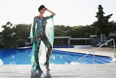 This is so perfect for Summer. The caftan dress to wear on a beautiful summer day !