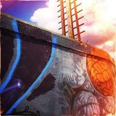 Le Festival Amalgam 2015 de Sherbrooke Photographies par Jean-François Dupuis Les graffitis existent depuis des époques reculées, dont certains exemples remontent à la Grèce ainsi qu'à l'empire romain et peut aller de simples marques de griffures à des...