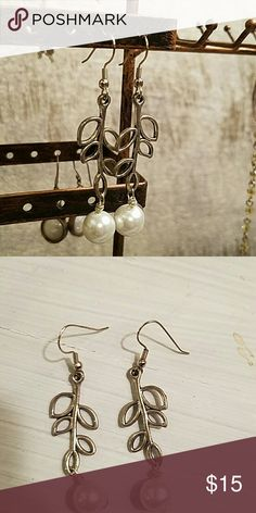 Silver and pearl drop earrings Silver and pearl drop earrings Jewelry Earrings