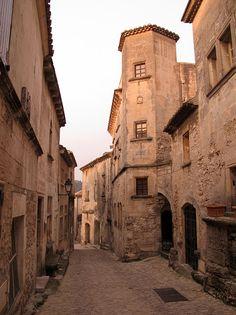 Lost in Arles: Orange crush on Les Baux