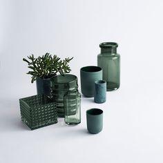 Wazony, donice, słoiki, pojemniki, kubki, kolorowe szkło i porcelana, skandynawski design, nowoczesne kolory, zielone szkło, Louise Roe - www.moaai.com