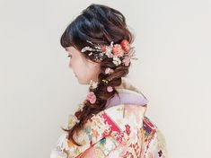 Yurika Miwa / studio aquaさんはInstagramを利用しています:「. . . 和装の 編みおろしヘア💐 . ドライフラワーたっぷり絡ませて、とってもかわいかったです ☺︎ . . hair & make ➳ Yurika Miwa . @miwa.hm_aquashinjuku . . #weddinghair #wedding…」 Japanese Beauty Hacks, Kimono, Hair Arrange, Hair Setting, Japanese Hairstyle, Yukata, Hair Goals, Wedding Hairstyles, Hair Makeup