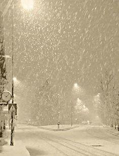 let it snow .let it snow.let it snow. - tüdelü , let it snow .let it snow.let it snow. let it snow .let it snow.let it s Winter Szenen, Winter Magic, Winter White, Winter Season, Snow Scenes, Winter Beauty, Jolie Photo, Let It Snow, I Love Snow