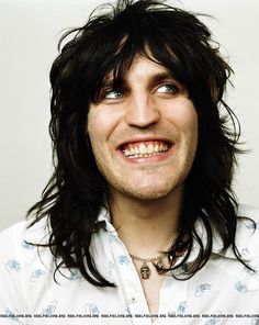 the Mighty Boosh The Gif Shop Noel Fielding Noel Fielding Art, Noel Fielding Haircut, Julian Barratt, The Mighty Boosh, Grunge Hair, Celebs, Celebrities, New Hair, Actors & Actresses