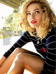 Margot Robbie by Peggy Sirota Magazine Photoshoot For Glamour US Magazine November 2013 - magazine-photoshoot