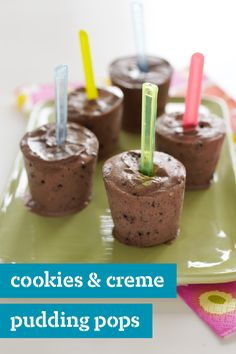 Cookies & Creme Pudding Pops – Making this pudding pop recipe is only half the fun. Your kids are sure to eating them this summer.