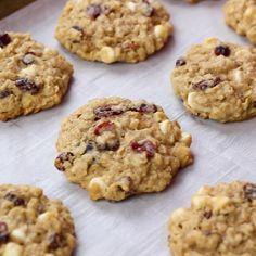 Old Fashioned Oatmeal Cookies, Soft Oatmeal Cookies, Oatmeal Cookie Recipes, Oatmeal Chocolate Chip Cookies, Easy Cookie Recipes, Chocolate Chips, Oatmeal Cookies With Applesauce, Granola Cookies, Chocolate Chip Cookies Recipe Video