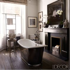 Dark floors and metal bath... Love