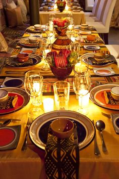 """Lorianne 's african wedding decor table settings Photo. Pinned in """"African recipes"""" . See the bigger picture! African Party Theme, African Wedding Theme, African Weddings, Traditional Wedding Decor, African Traditional Wedding, Traditional Art, African Interior, African Home Decor, Deco Restaurant"""