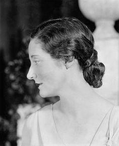 Resultado de imagen para 1930  pelo mujered