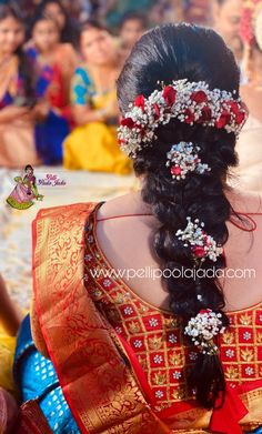 Order Fresh flower poolajada, bridal accessories from our local branches present over SouthIndia, Mumbai, Delhi, Singapore and USA. Beauty Tips, Beauty Hacks, Hair Beauty, Telugu Brides, Hindu Bride, South Asian Bride, Messy Buns, Flower Garlands, Indian Hairstyles