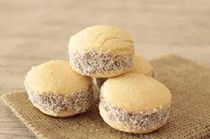 Uno de los dulces más populares de Argentina, los alfajores, ahora los puedes preparar en casa con esta receta. ¡Toma nota!