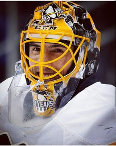 We will never forget that incredible smile! Thank you for all of your hard work, humbleness & genuine love of Pittsburgh & all of your fans! Penguin games won't be the same without you! Pens Hockey, Hockey Memes, Hockey Goalie, Hockey Stuff, Ice Hockey, Pittsburgh Sports, Pittsburgh Penguins Hockey, Nhl Penguins, Lets Go Pens