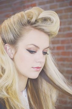 Vintage hairstyle with lots of volume!