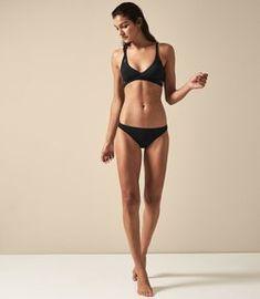 Reiss Rayne Cross Front Bikini Top Metallic Black - S Female Pose Reference, Human Reference, Pose Reference Photo, Anatomy Reference, Human Figure Drawing, Figure Drawing Reference, Figure Drawing Models, Poses Silhouette, Poses Modelo