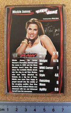 Female Wrestlers, Wwe Wrestlers, Plain Black Background, Mickie James, Trump Card, Top Trumps, Wwe Photos, Divas, Magnets