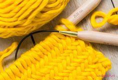 Pattern of the month - knitting herringbone pattern - crocheting, knitting, trallala . Pattern of the month – knit herringbone pattern – crochet, knit, trallala – # Herringbone Baby Knitting Patterns, Knitting Stitches, Stitch Patterns, Crochet Patterns, Crochet Ideas, Knitting For Beginners, Easy Knitting, Tricot Simple, Chevrons