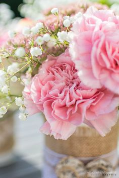 Bouquet aux tendres coloris blanc et rose...
