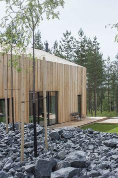 28 ideas exterior wood facade timber cladding for 2019 Architecture Résidentielle, Scandinavian Architecture, Scandinavian Design, Amazing Architecture, Modern Wood House, Wooden Facade, Casa Patio, Design Exterior, Timber Cladding