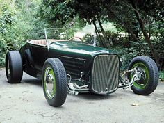 '26 Ford Track T - what could go wrong if the grille shell is left too big...