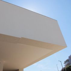 Museu de Santo Tirso #alvarosiza #sizavieira #alvarosizavieira #eduardosoutodemoura #soutodemoura #arquitetura #architecture #contemporaryarchitecture #pritzerprize #arquitetura #museum #contemporaryart #cultour #LearnMinimalism #guidingarchitects #santotirso #portugal by cultour_pt