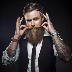TAG A FRIEND!! @danielwth by @jessiwikstrom #beardsandboobies #beard #