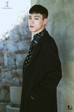 •Stage Name: Vaan     •Real Name:Kim Sangwon 김상원     •Position: Rap     •Birthday: October 10 1996     •Height: 181 cm     •Weight: 66 kg     •Hobby: Composing, Exercise (Football), Watching movies     •Specialties: Swimming     -•VAAN can play the piano  { #VAAN #KimSangwon #7OClock #7OC #SOC #MINUTE #StaroEntertainment #Kpop } ©Kpop Amino