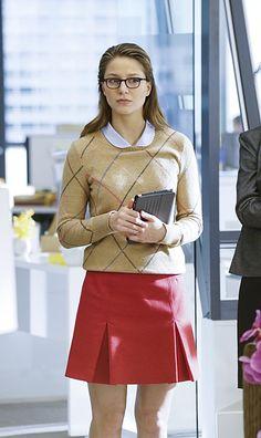 Kara Danvers look - Look para trabalhar - saia - suéter