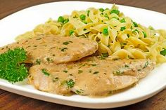 Boneless chicken breasts, sauteed in butter and topped with creamy pan sauce flavored with white wine, fresh tarragon and Dijon-style mustard are served alongside egg noodles tossed with butter, peas and fresh parsley. Dijon Cream Sauce, Mustard Cream Sauce, Cream Sauce Recipes, Dill Sauce, Onion Sauce, Cheese Sauce, Yum Yum Chicken, Everyday Food, The Fresh