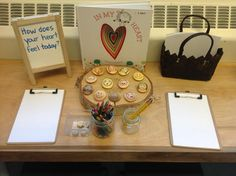 A wonderful story about feelings. We hope children are able to select a feeling rock based on how they feel and perhaps may even want to draw their feeling using the writing materials! Inquiry Based Learning, Social Emotional Learning, Early Learning, Reggio Emilia Classroom, Reggio Inspired Classrooms, Kindergarten Activities, Preschool Activities, Valentine Activities, Preschool Projects