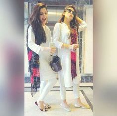 Mawra Hussain and Urwa Hussain Pakistani actress Ethnic Outfits, Indian Outfits, Fashion Outfits, Women's Fashion, Indian Attire, Indian Wear, Simple Dresses, Casual Dresses, Pakistan Fashion