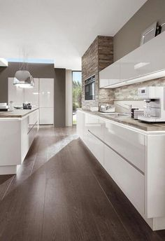 Kitchenette Cuisine Blanc Laqué Norina 9555 - Nadja Home Elegant Kitchen Design, Home Decor Kitchen, Kitchen Cabinet Design, Kitchen Interior Design Modern, Luxury Kitchens, Elegant Kitchens, Kitchen Room Design, Modern Interior Design, Diy Kitchen