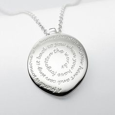 """Forever Friends Necklace: It reads, """"A friend is someone who knows the song in your heart and can sing it back to you when you have forgotten the words. Personalised Gifts Unique, Unique Gifts, Great Gifts, Best Friend Necklaces, Best Friend Jewelry, Friendship Necklaces, Friendship Gifts, Real Friends, Friends Forever"""
