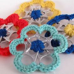 Soda can tab flowers with crochet edging