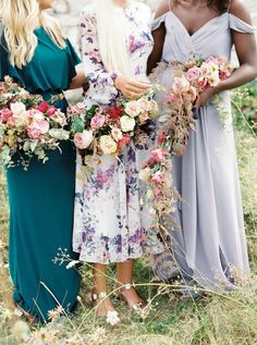 Unexpected Color Palette Ideas for Your Fresh Summer Wedding do you want open and airy; do you want cozy and comfort July Wedding Colors, Olive Green Weddings, White Clematis, Wedding Venue Inspiration, Bride Bouquets, Bridesmaid Dresses, Bridesmaid Jewelry, Bridesmaids, Wedding Dresses