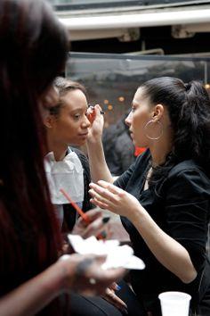 #Backstage   #défilédemode  Moncosmos-prive.com www.moncosmos-prive.com #Makeup  by True Colors Paris True Colors Paris bientôt en vente privée sur www.moncosmos-prive.com #vente   #venteflash   #venteprivée   #makeup   #makeupartist   #makeuptutorial   #smokeyeye   #maquillage   #moncosmos -prive #moncosmos #teamnatural   #teamnaturalcurlyhair   #teamnaturalhair   #blackbeauty