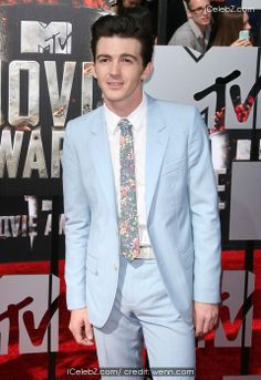 Drake Bell 23rd Annual MTV Movie Awards at Nokia Theatre L.A. Live http://www.icelebz.com/events/23rd_annual_mtv_movie_awards_at_nokia_theatre_l_a_live/photo43.html