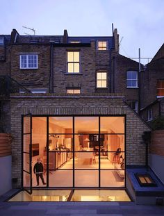contemporary london flat roof extension with crittall windows Extension Designs, Glass Extension, House Extension Design, Roof Extension, House Design, Extension Ideas, Kitchen Extension Roof Windows, Crittall Extension, Terraced House
