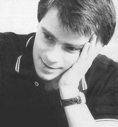 Rivers Cuomo..Guys just aren't supposed to be this cute.. I swear..